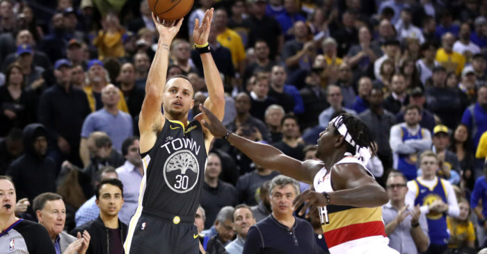 Stephen Curry anotó 41 puntos, incluyendo nueve triples