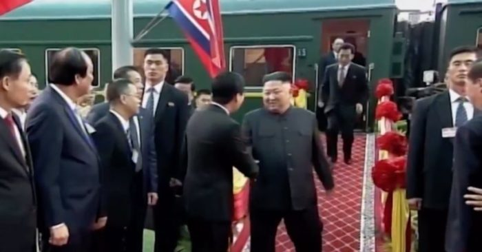 Llegada de Kim Jong-un a Vietnam. (Captura de video)